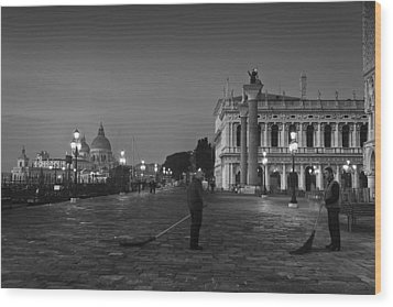 Venice Sweepers Wood Print by Marion Galt