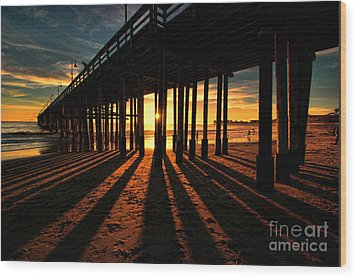 Ventura Pier At Sunset Wood Print