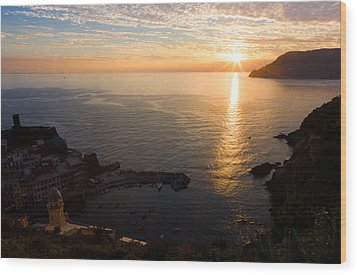Wood Print featuring the photograph Vernazza Sunset - I by Carl Amoth
