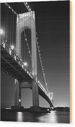 Verrazano Bridge At Night - Black And White Wood Print