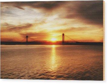 Verrazano Bridge At Sunset Wood Print by Boris Mordukhayev