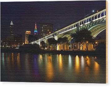 Veteran's Memorial Bridge Wood Print