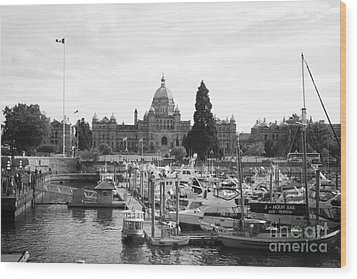 Victoria Harbour With Parliament Buildings - Black And White Wood Print by Carol Groenen