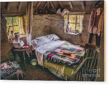 Victorian Bedroom Wood Print by Adrian Evans