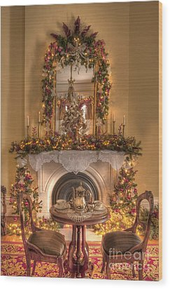 Victorian Christmas By The Fire Wood Print