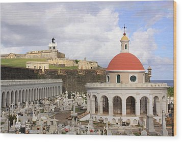 Viejo San Juan Wood Print by Daniel Sheldon