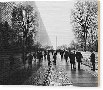 Wood Print featuring the photograph Vietnam Memorial by Michael Donahue