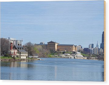 View Of The Art Museum And Waterworks In Philadelphia Wood Print by Bill Cannon