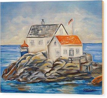 Vikeholmen Lighthouse II Wood Print by Carol Allen Anfinsen