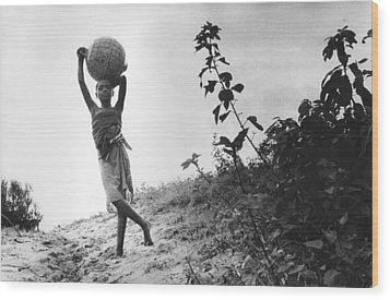 Vilancoulos Mozambique 1997 Wood Print by Rolf Ashby