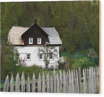 Vine Covered Cottage With Rustic Wooden Picket Fence Wood Print