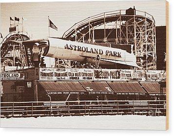 Vintage Astroland Park Wood Print by John Rizzuto