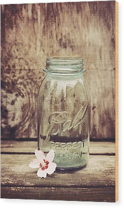 Vintage Ball Mason Jar Wood Print