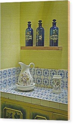Vintage Bathroom Wood Print
