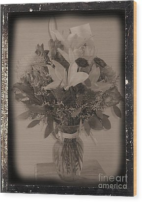 Vintage Bouquet Wood Print by Margaret Newcomb