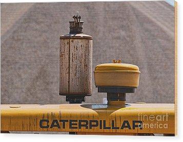 Vintage Caterpillar Machine Wood Print by Les Palenik