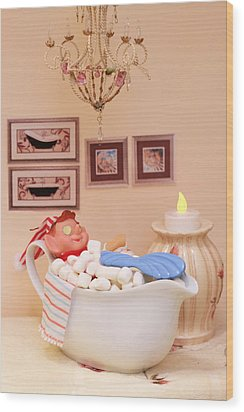 Vintage Christmas Elf Bubble Bath Wood Print