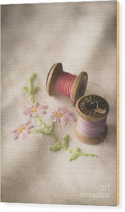 Vintage Cotton Reels Wood Print by Jan Bickerton