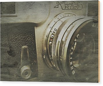 Vintage Kiev Camera Wood Print by John Colley