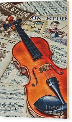 Vintage Music And Violin Wood Print by Paul Ward