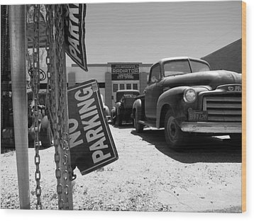 Vintage Parking Wood Print by Paul Foutz