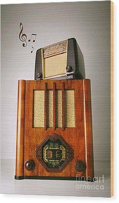 Vintage Radios Wood Print by Carlos Caetano