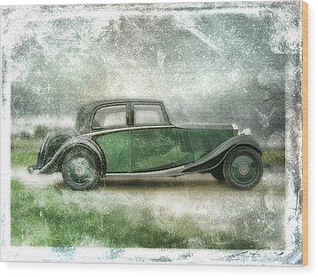 Vintage Rolls Royce Wood Print by David Ridley