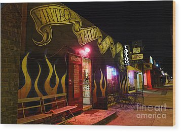 Vintage Tattoo Parlour Wood Print by Nina Prommer