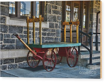 Vintage Train Baggage Wagon Wood Print by Paul Ward