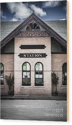 Vintage Train Station Wood Print by Edward Fielding
