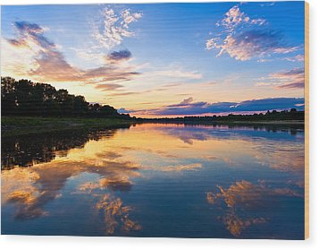 Vistula River Sunset Wood Print by Tomasz Dziubinski