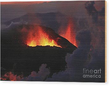 Wood Print featuring the photograph Volcanic Eruptions by Gunnar Orn Arnason