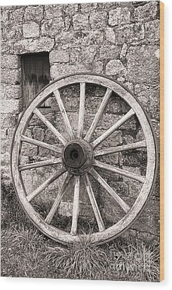 Wagon Wheel Wood Print by Olivier Le Queinec