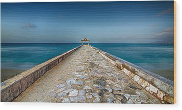 Waikiki Beach Walk Wood Print