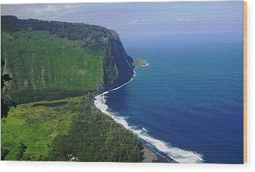 Waipio Valley Wood Print by Pamela Walton