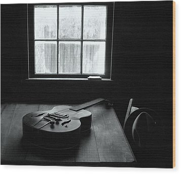 Waiting To Play Wood Print by EG Kight