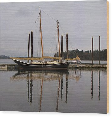 Waiting To Sail Wood Print by Feva  Fotos