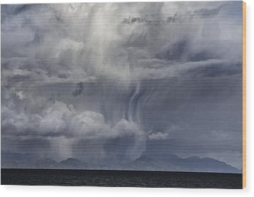 Wall Of Weather Wood Print by Darryl Luscombe