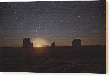 Waning Crescent Moonrise Monument Valley Wood Print