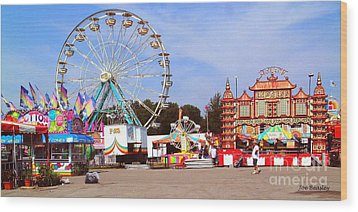 Warren County A And L Fair Midway Wood Print by   Joe Beasley