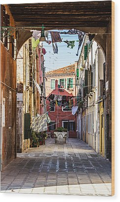 Washing Drying In The Wind In Venice Wood Print