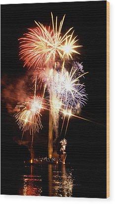 Washington Monument Fireworks 2 Wood Print by Stuart Litoff