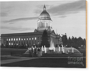 Wood Print featuring the photograph Washington State Capitol And Tivoli Fountain At Dusk 1950 by Merle Junk