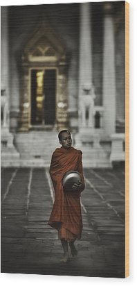 Wat Bencha Monk Wood Print by David Longstreath