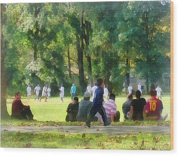 Watching The Soccer Game Wood Print by Susan Savad