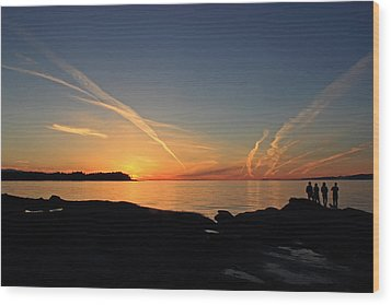 Watching The Sun Go Down Wood Print by Randy Hall