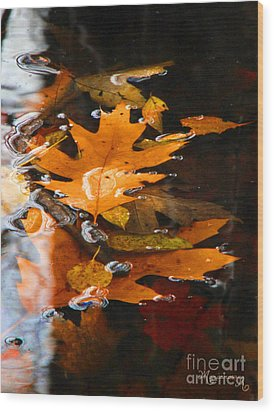 Water Bubbles Wood Print by Mariarosa Rockefeller