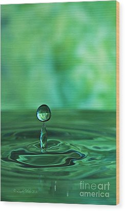 Water Drop Green Wood Print