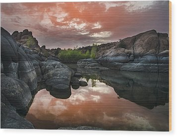 Watson Lake In Pink Wood Print by Dave Dilli