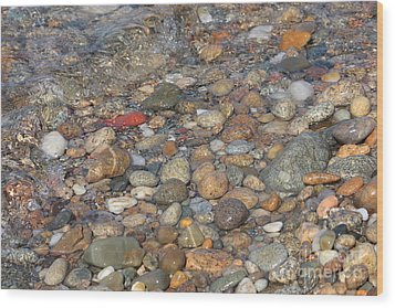 Wave Over Beautiful Rocks Wood Print by Carol Groenen